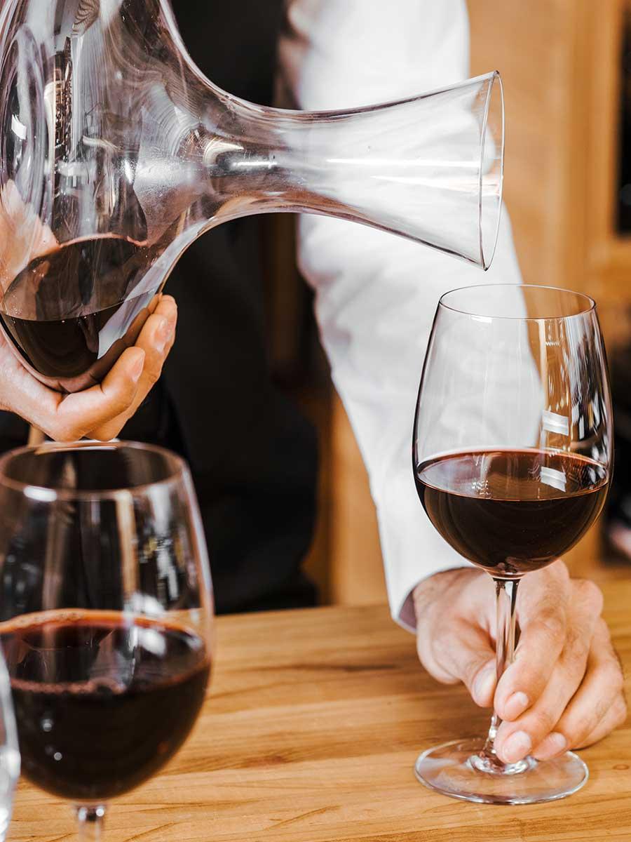 faire decanter un vin